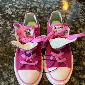 BNWT Converse Girls size 1